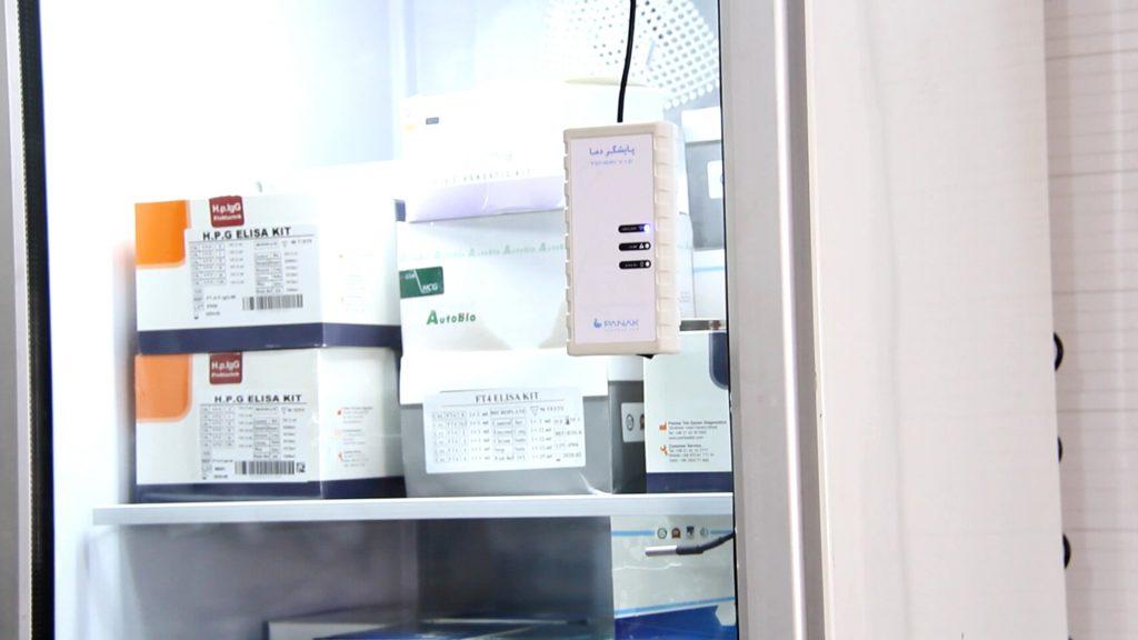 سنسور دمای پایشگر پاناک به راحتی درون یخچال قرار می گیرد